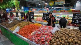 In tutto il mondo progredito l'abbondanza è la regola. La grande produzione necessita del consumo...