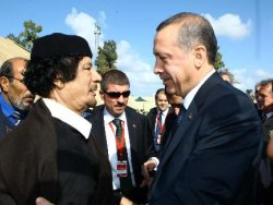 Erdogn accusato dai media di mille colpe sorride a Gheddafi: col Mediterraneo nel cuore