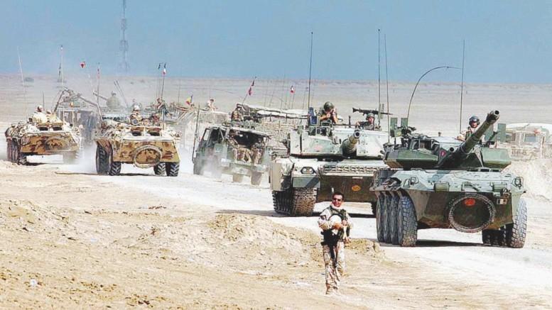 Carri armati italiani nel deserto. La foto pare sia stata scattata a Mossul ma potremmo essere in Libia, a pochi Km da El Alamein. Questa volta il carro italo tedesco (è tale per fabricazione) non ha niente da invidiare a quelli di un qulunque possibile nemico...