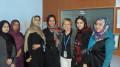 Carmela Giglio qui in Afhanistan, inviata da un capo all'altro del Medioriente e oltre. Noi nell'immagine vediamo qualcosa. Ciascuno faccia da sé