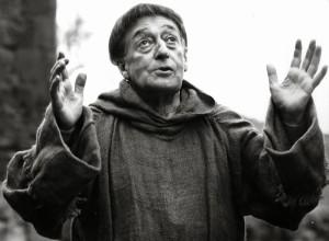 In Uccellacci uccellini di Pasolini. PPP testimoniava che Totò in scena riacquistasse la vista.