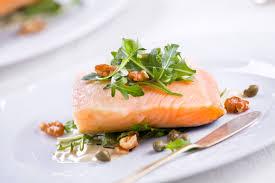 Pesce a taglio, anche del salmone, anche decongelato: una risorsa