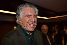 Buzzanca un volto intelligente a Palermo. Meglio ridere come spesso fa lui...