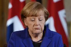 La Merkel incazata comunque: se vinceva la Le Pen ero fritta. Ma ora che mene faccio di sto Macron?