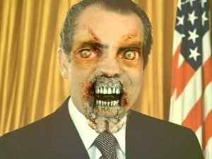 Lo riconoscete? No? E' R. NIxon prima del water gate. Così, ritraendolo da zombie cercavano di farlo a pezzi mediaticamente. Con Trump avevano iniziato prima del voto...