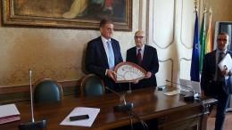 Ardizzone col Ventaglio e il capo ufficio stampa Ars Giovanni Ciancimino