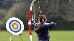 Una notevole presenza femminile caratterizza questo sport che fu già agonismo quando era ancora attività venatoria e guerresca