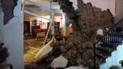 Immagini dei disastri nelle case di Ischia.