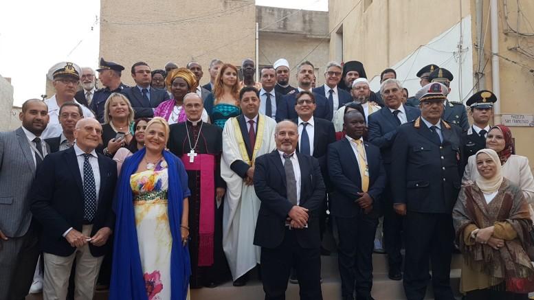 Messa inter religiosa, Invocazione rotariana per la pace. Mazara del Vallo, foto ricordo VI edizione