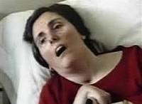 """Eluana Englaro è morta di fame e di sete dicendo: """"mamma!"""" Chi sceglie l'eutanasia non sa come lo faranno morire. Ai medici ripugna, giustamente, somministrare un veleno. A quel punto, forse, sarebbe mglio."""