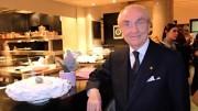 Una recente foto di Gualtiero Marchesi nel suo ristorante milanese Il Marchesino