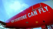 Un'immagine che parla chiaro sulle possibilità dei moderni voli low cost. L'aereo non è più soltanto il mezzo più veloce, ma anche - di fatto - il più economico...