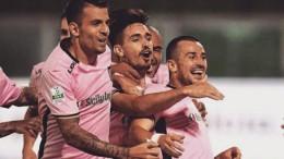 I rosa esultano a Bari. L'attesa vittoria contro l'avversaria importante è una realtà
