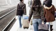 """Emigrazione giovanile: un'immagine più inusuale di quella sull'immigrazione dal terzo mondo. Giovani italiani cercano lavoro, spesso qualificato,  all'estero. Talenti italiani vengono """"regalati"""" e in casa ne mancano... Programmazione inadeguata evidente..."""