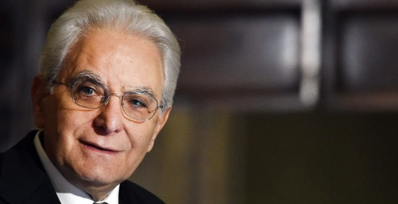 Peccato, era un bel presidente, finora. Una bella foto di Mattarella: Dopo Piero Grasso, un altro palermitano ci delude fortemente...
