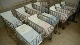 Lettini vuoti che aspettano inutilmente i bimbi mai nati, simbolo di una legalizzazione che ha trasformato l'aborto in metodo di contraccezione e lo ha in pratica reclamizzato con evidenti conseguenze...