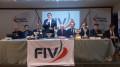 Il presidente Fiv Francesco Ettorre al microfono al tavolo dell'Assemblea 2018 della VII Zona (Sicilia)
