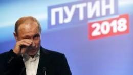 Vladimir Putin commosso mentre arrivano i risultati: il popolo russo, riconoscente, è con lui.