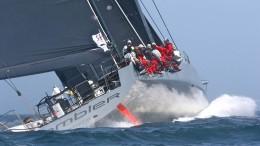 Un spettacolare immagine di poppa della barca americana (Foto Taccola)