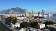 Vista sul Porto e sul Monte Pellegrino dall'Ibis Styles Hotel di Palrmo