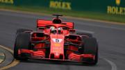 Sebastian Vettel (GER) Scuderia Ferrari (IT) all'ultimo giro sul traguardo di Melbourne.