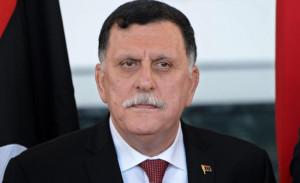 Fayez Serraj il generale posto dall'Onu a capo del governo di Tripoli. Questa e Tobruk si contestano a vicenda. Ua e G.B. lo appoggiano. Ambiguo il comportamento di Macron. L'Italia propende per lui, ma sembra a molti un errore che non preferisca stare in quel delicato scacchiere con Al Sisi e Putin...