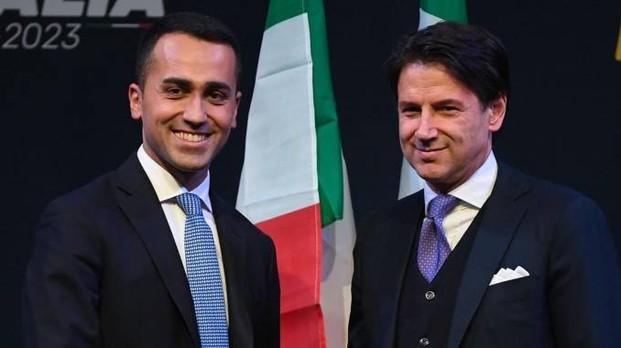 Conte presentato dal suo sponsor politico: Luigi Di Maio. Questi non ha voluto o potuto fare il capo del governo italiano...