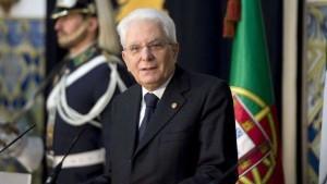 Sergio Mattarella, il palermitano, si dimostra comunque il miglior presidente dopo Einaudi. E' colto, presentabile e ...non fa ridere.