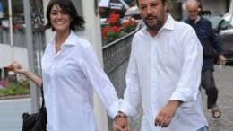 Matteo Salvini con la sua bella compagna Elisa Isoardi è uno che cresce: ha iniziato sdoganando la Lega dai confini padani e conquistando l'Italia fino al Sud e alle Isole. Adesso il suo spirito positivo lo vede crescere nei panni di ministro degli interni. E' una continua sorpresa:cento volte più dignitoso di quanto ci si aspettava. I grillini si adeguano a lui...