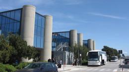 L'aeroporto di Birgi. Immagine esterna dello scalo commerciale. In contemporanea funzione da importante aeroporto militare.  Di Michiel1972 - Opera propria, CC BY-SA 3.0, https://commons.wikimedia.org/w/index.php?curid=9919182