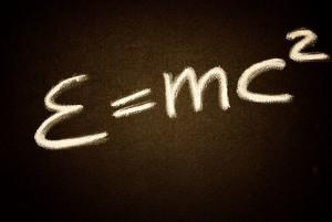"""La """"semplice"""" formula del rapporto fra massa ed energia da cui parte tutta la fisica. Da qui parte Einstein..."""