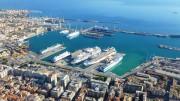 """Una veduta aerea del porto di Palermo. Definito da sempre """"porto core"""" dall'UE. Due le dighe: quella del porto stesso e, all'esterno, quella definita """"del cantiere"""", destinata a maggiore sfruttamento per alleggerire il traffico crescente all'interno dell'alveo principale, cui il Cantiere anche si affaccia..."""
