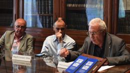 Un momento della presentazione al tavolo della conferenza.Al centro Magdi Cristiano Allam.