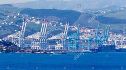 Il terminale per container di Tangeri con le nuove gru:non ne esistono di più grandi al mondo...
