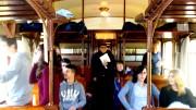 """L'interno di un antico vagone """"Cento porte"""" rievoca per la gioia dei turisti e dei bambini immagini ottocentesche e da far west... Ma i viaggi hanno anche un tema gastronomico..."""