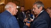Il nostro direttore Germano Scargiali intervista Cuffaro al microfono di Siciliauno, media partner di Palermoparla. (Foto A. Modesto)