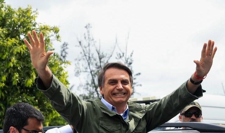Bolsonaro esulta già nel corso dello spoglio.