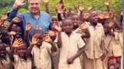 Cuffaro fra i bambini del Burundi. L'Ospedale era stato costruito dalla Regione Sicilia e inaugurato, ma era quasi privo di personale sanitario. Totò Cuffaro ha sopperito a tale carenza partendo dalla sua presenza come volontario e con l'idea di coinvolgere una serie di suoi  conoscenti medici e  paramedici. Il bisogno di medicine e materiale sanitario è continuo.
