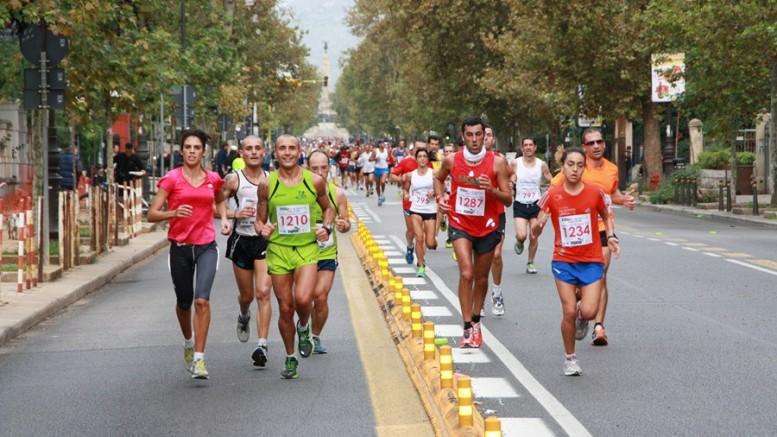 Half Marathon per le vie di Palermo. Maratone e maratonine non sono la panacea del traffico cittadino, ma ...ne vale la pena. Giovano a ricordare l'importanza dello sport e del movimento fisico in tempi di sedentarietà...