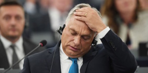 """Orban (Ungheria) è uno dei più irrequieti, ma in questi giorni la Macedonia si è rifiutata entrare in UE. In sostanza ha dato le spalle""""agli aiuti""""."""