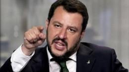 """Il J'accuse tipico di Salvini. Siamo convinti che qualcuno li lasci """"giocare alla politica"""", per fare - ancora - il """"proprio"""" gioco.... Ma, giocando giocando, sia pure nell'ambito loro concesso, il mouse potrebbe cliccare dove non doveva. Succede... Con sorprese, danni o benefici?  Chi lo sa?"""