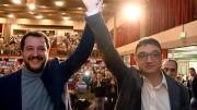 Matteo Salvini alza il braccio in segno di di vittoria a Maurizio Fugatti, neo governatore a Trento.