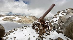 Ai grandi cannoni l'esercito italiano ha dato molta importanza nelle guerre. Difficile portarli, negli anni 10 sulle cime del Cadore. Un arma efficiente fu il mortaio da 81.