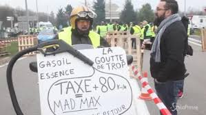 Come in Italia il prezzo di combustibili e dei carburanti dipende dalle imposte.