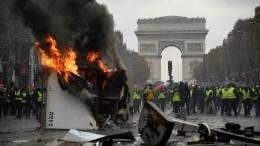 L'Arc de Trionphe, altri tempi per la Francia.