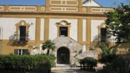 Villa Magnisi sede dell'ordine dei Medici, si trova alle spalle della piazza del Villaggio Ruffini.