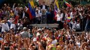 Venezuelani in piazza.  Parla Guaidò. Si prepara una nuova era politica.