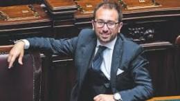 II giovane guardasigilli  Alfonso Bonafede nato a Mazara del Vallo (Trapani), vive a Firenze, città dove svolge la professione di avvocato civilista.