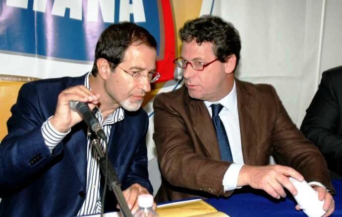 Micciché con Musumeci presidente dell'assemblea e presidente della Regione. Musumeci ha voluto che Claudio Fava gli succedesse alla presidenza dell'antimafia con abile  mossa politica, ma anche perché lo riteneva certamente il più adatto. Sembra così un must cedere all'opposizione la presidenza dell'antimafia in Sicilia.