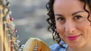 l'arpista Romina Copernico intratterrà gli intervenuti in occasione della manifestazione del Movimento per la Vita di Palermo